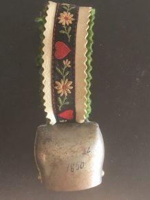 Petite cloche suisse 1850