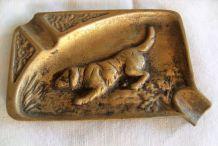 Vide poche cendrier bronze  chien chasse