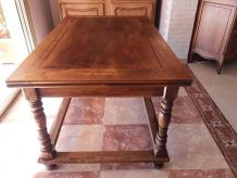 TABLE CHENE