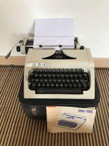 Machine à écrire Erika 150