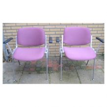 """2 chaises """"DSC Axis 106"""" de G. PIRETTI - 1970"""