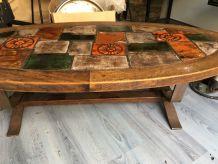 table de salon avec carreau de Vallauris