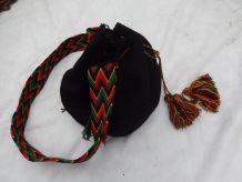 Grand sac besace à bandoulière noir et rasta tissé en coton