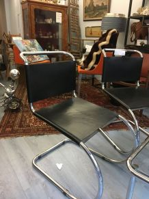 4 chaises Mies van Der Rohe reedition par Knoll 1980