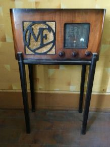 Poste radio vintage Manufrance