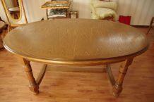 Table ovale en chêne massif