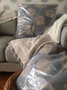 deux gros coussins coton confort