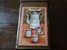 Boîte à café ancienne