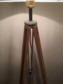 grand lampadaire créé s/anc. trépied photo_bois