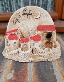 Maison village miniature à accrocher en terre cuite souvenir