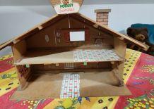 Ancienne Maison en bois Forest Families vintage
