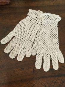 Ancienne Paire de Gants femme coton crochetés