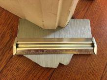 Copieur reproducteur de contour en métal