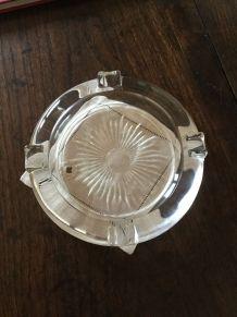 Ancien cendrier en verre taillé