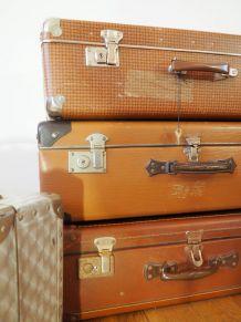 Valise brune motifs vintage