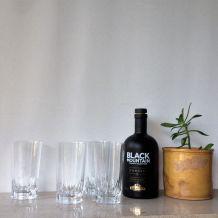 4 grands verres en cristal
