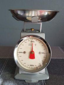 balance mécanique de cuisine vintage en métal gris