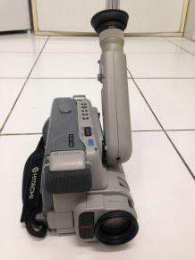 Camescope Hitachi VM E10E