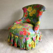 Fauteuil crapaud à décor floral vintage