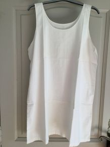 Ancienne chemise brodée blanche