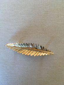 Broche vintage métal doré