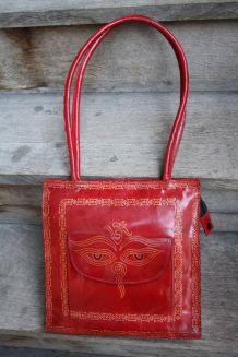 Sac à main porté épaule, cuir rouge, style ethnique