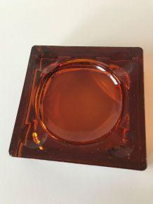 Cendrier carré en verre ambré pavé de verre moderniste