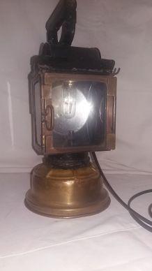 Ancienne Lampe à pétrole SNCF