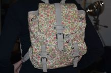 joli sac à dos fleuri Fuchsia