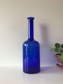 Grand vase en verre beu