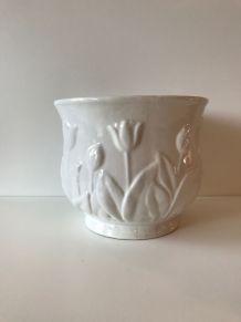 Cache pot vintage en céramique blanche décor tulipe