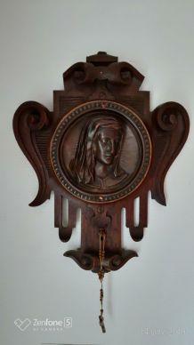 Christ en bas relief