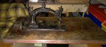 Ancienne machine a coudre HURTU B de 1895