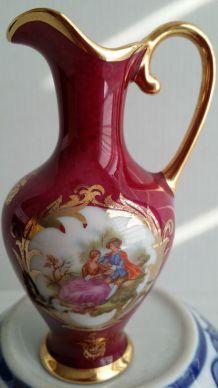 petit pichet broc porcelaine scene galante Fragonard