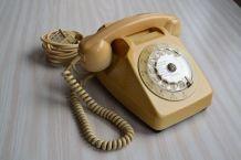 Téléphone vintage Socotel S63 à cadran, 1977, France