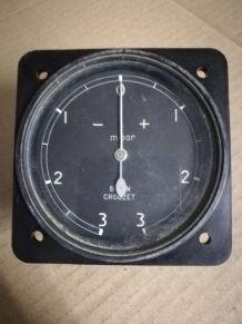 Vieux manomètre aéronautique 1960