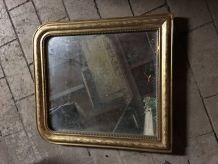 Petit miroir Louis Philippe doré