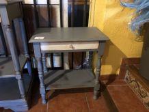 DEUX TABLES D'APPOINT TA004 - TA003