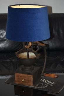 Lampe ancien moulin à café