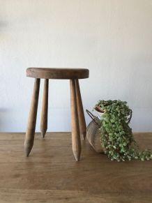 Tabouret ancien de ferme en bois