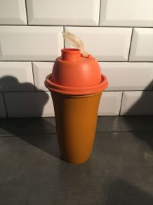 Shaker Tupperware orange année 70
