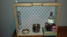Petite étagère murale