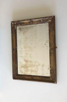 Très ancien miroir rectangulaire en bois et moulures dorées