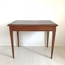Table style directoire