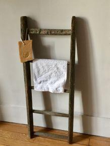 Echelle en bois, porte-serviette, campagne