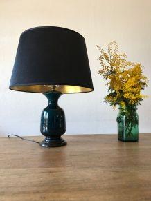 Grande lampe en céramique avec abat-jour noir et or