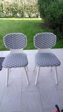 2 chaises vintage entièrement refaites