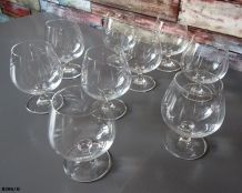 9 verres à Cognac en verre  gravé/son cristallin