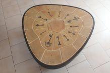 Table basse tripode  de Vallauris signée BARROIS