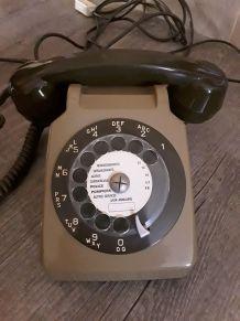 Téléphone à cadran vintage
